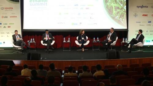 """Painel """"Os caminhos do açúcar: obstáculos globais"""" no Ethanol Summit 2019"""