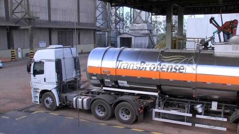 Cocal entrega segunda remessa de álcool para o SUS de um total de 1 milhão de litros