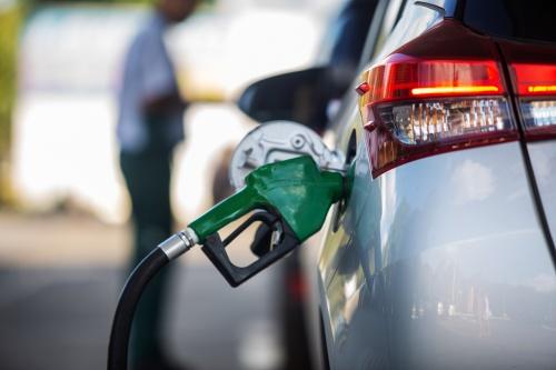 Venda de etanol registra primeiro crescimento nesta safra